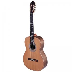 Strunal 670 Classical Guitar