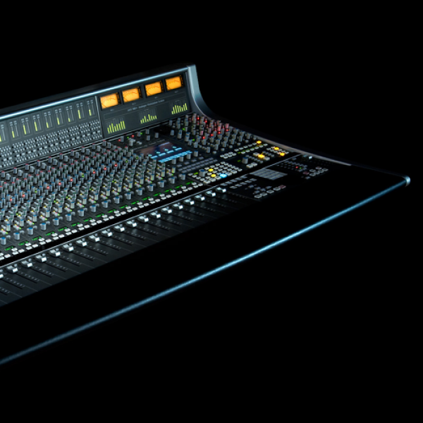 Mixing Desk / Powered Mixers