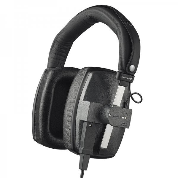 Beyerdynamic DT 150 studio headphones